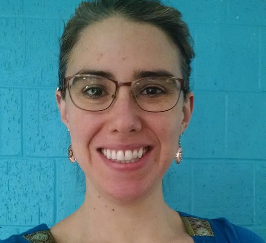 Head shot of health science librarian Neyda Gilma